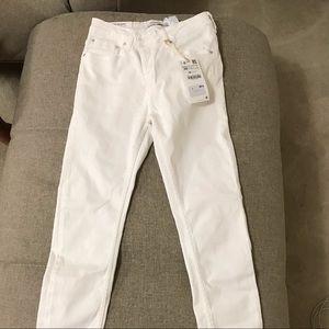 Zara white denim, NWT, size 4, excellent condition